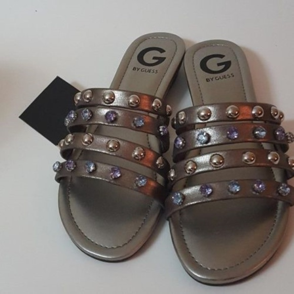 9a429b94cf5c Guess Justyn Pewter Leather Flat Sandals